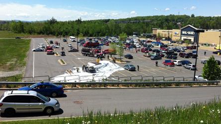 Van explodes in Magog Walmart parking lot