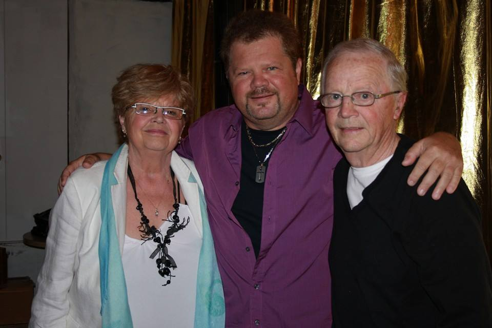 Dany Flanders stands with proud parents Sidney and Lise, Saturday night before his show at the Place Del Monty. All photos by Tanya Mueller.