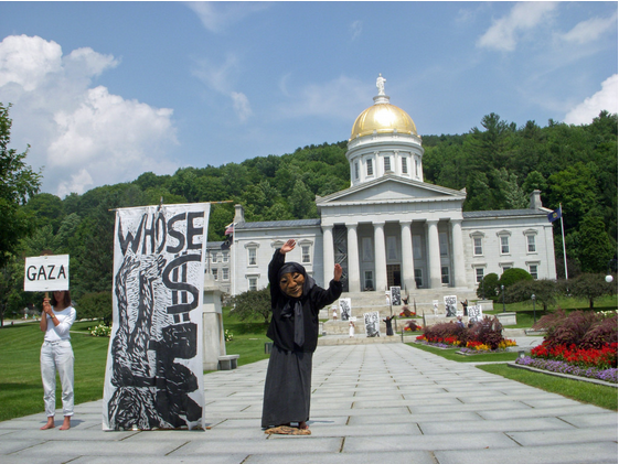 Bread and Puppet holds vigil at the State House to protest attacks on Gaza
