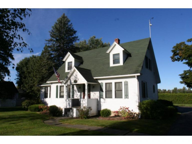 Conley Country Real Estate | 230 Main Street | Derby, Vermont