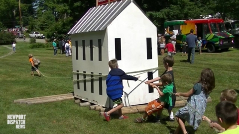 [VIDEO] Oxen pull Brownington School House to original location
