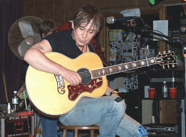 Police: Local musician looking for missing guitar