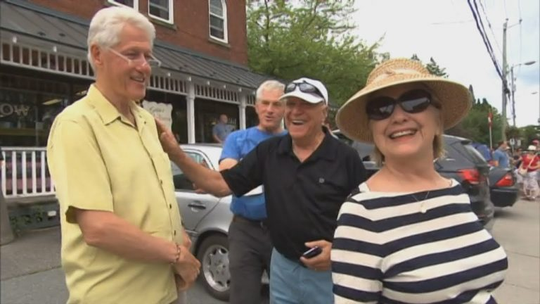 The Clintons vacationing in North Hatley