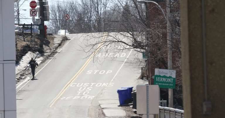 US-Canadian border closed for another 30 days